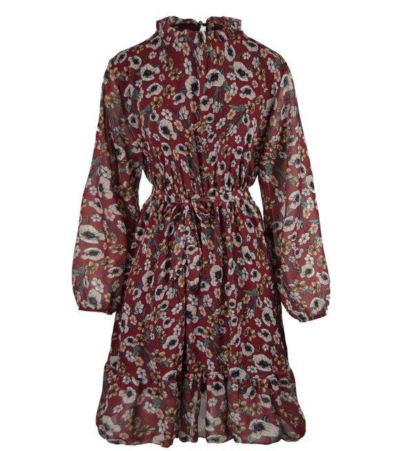 Piękna stylowa sukienka z baskinką łąka